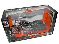 Maisto Harley Davidson 2013 FLHRC Road King Classic 1:12 Sca