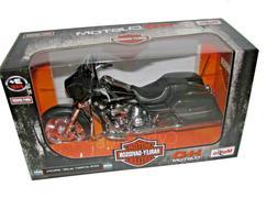 Maisto 2015 Harley Davidson Street Glide Motorcycle 1/12 Sca